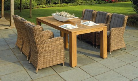 6 Reasons to Buy Teak Outdoor Furniture in Sydney This Spring Season